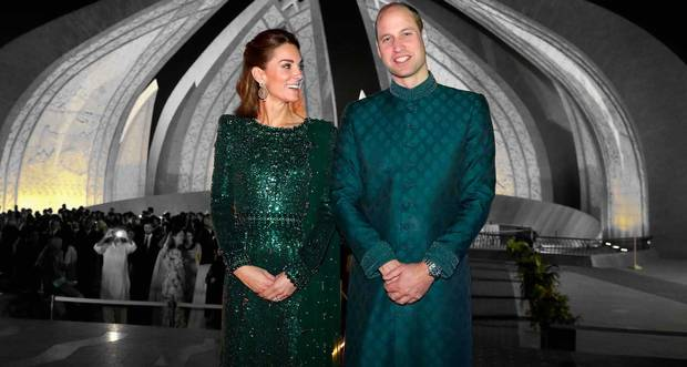 https://www.independent.ie/style/celebrity/celebrity-features/princess-dianas-enduring-legacy-displayed-on-william-and-kates-pictureperfect-pakistan-tour-38600601.html